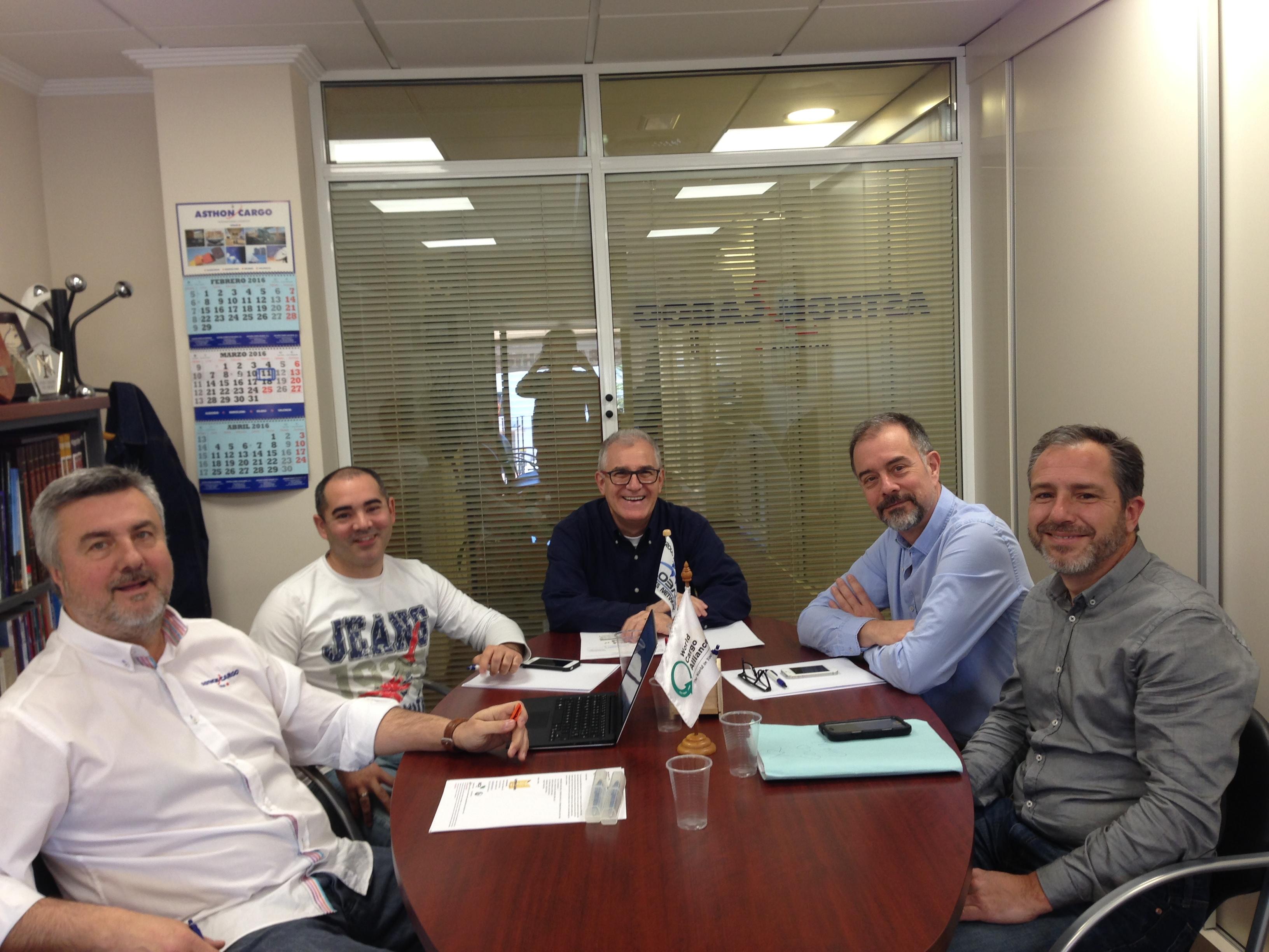 La semana pasada asthon cargo celebr una reuni n - Empresas constructoras valencia ...